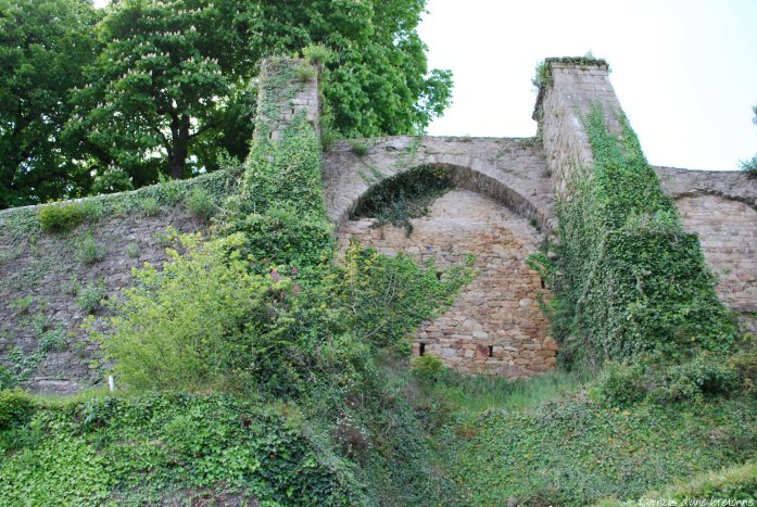 vestiges château auray